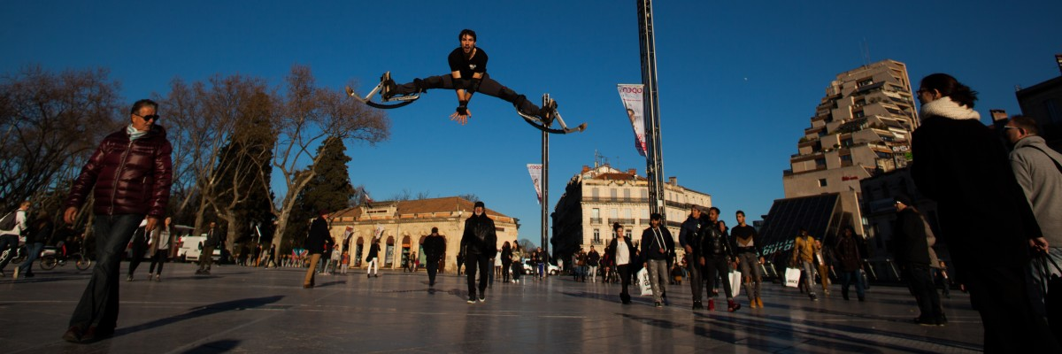 Yohann, jump en échasses urbaines
