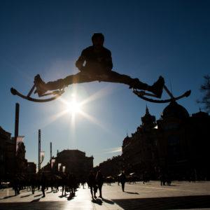 Yohann, jump en échasses urbaines, Montpellier, France