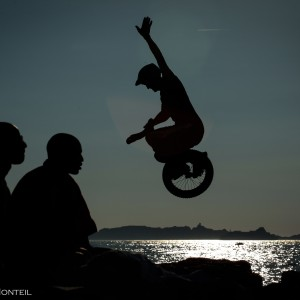 Paul Sergent, champion du monde de monocycle (unicycle), plages du Prado de Marseille