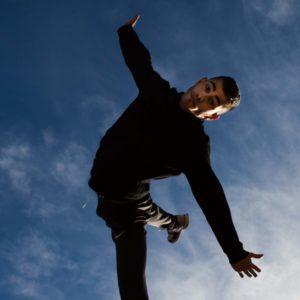 Edy Daffy Style, un athlète qui pratique le hip hop et le Parkour, le freerun, dans le sud de la France
