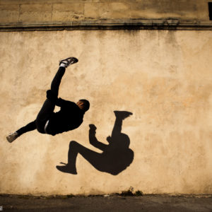 Edy Daffy Stylle practices Parkour, and flies over cities'elements. He shows his skills in antic and modern Arles, south of France